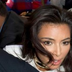 Kim Kardashian TACKLED and Assaulted in Paris