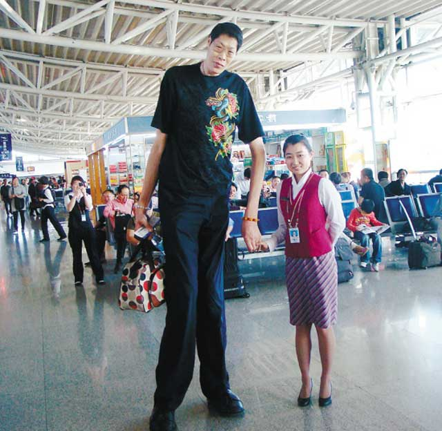 20 of the Tallest Men in History | Explore Talent