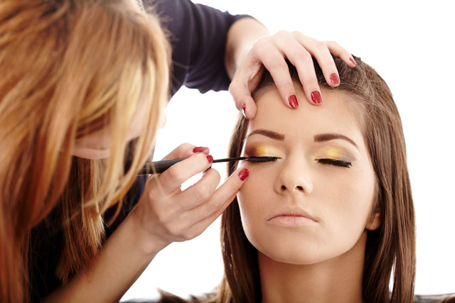 A Complete Listing of Makeup Artist Jobs