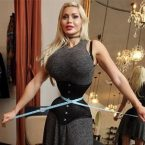 Pixee Fox: Surgery-Obsessed Model Removes Ribs to Achieve Tiny Waist